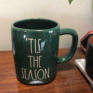 Rae Dunn 'Tis the Season Christmas Mug 🎄